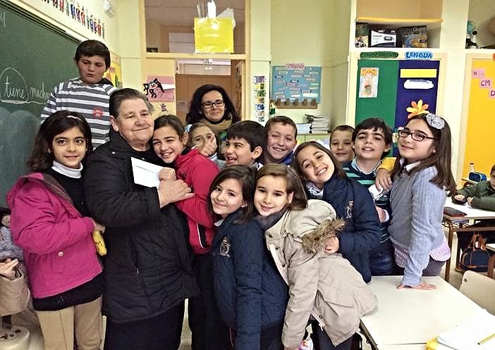 Alumnos y alumnas de 4º curso han preparado un sorteo para recaudar fondos  e irse de visita a final de curso a la Comarca de la Vera.