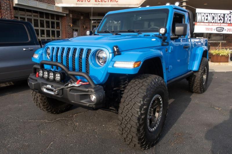 Jeep J6 Concept Front Profile Brilliant Blue