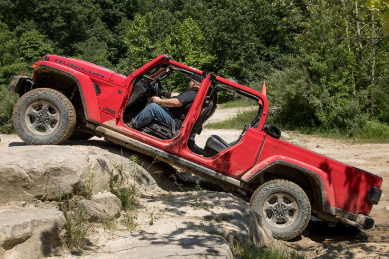 2020 Jeep Gladiator Rubicon Rock Crawling