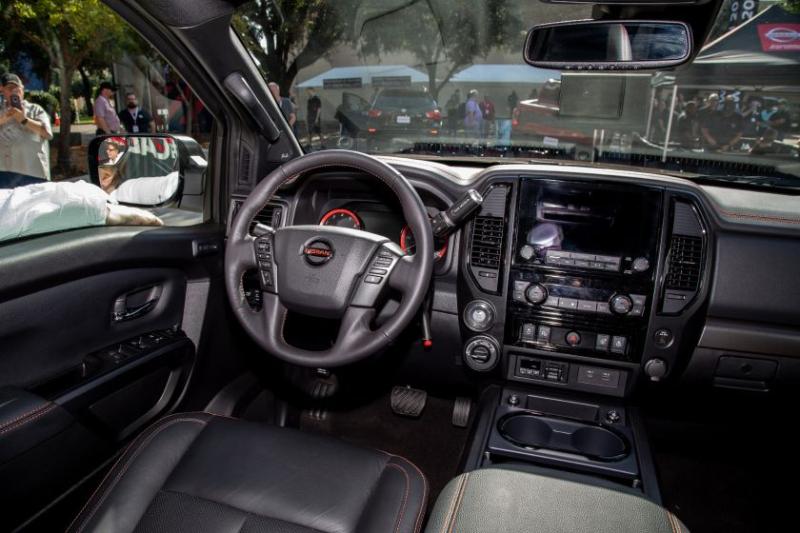 2020 Nissan Titan Pro-4X Cockpit