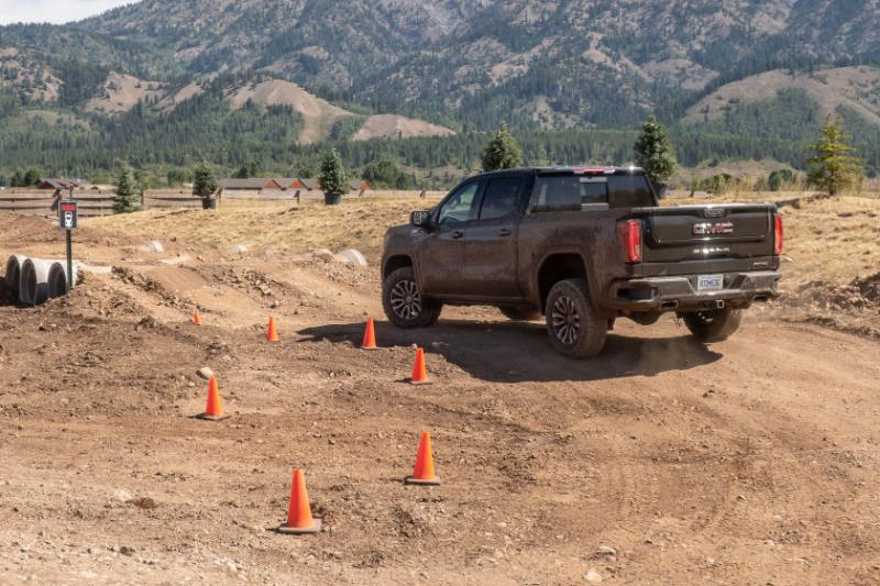 2020 GMC Sierra 1500 AT4 On Off-Road Trail