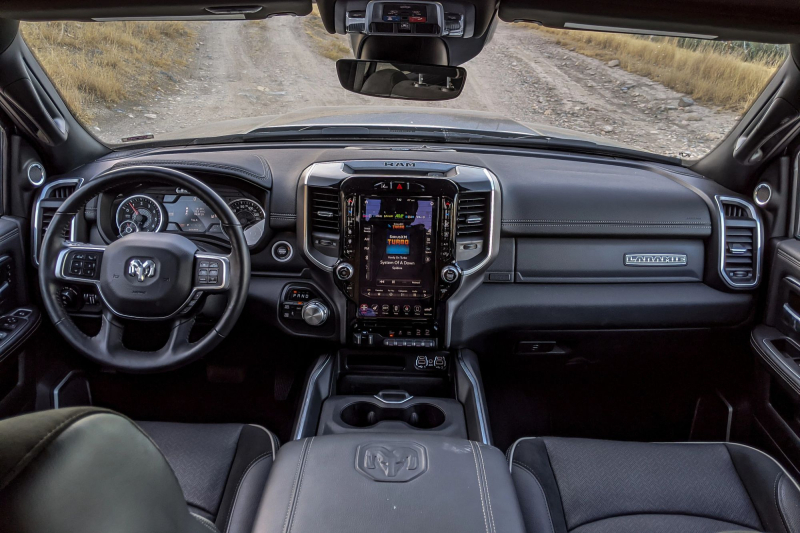 2020 Ram 2500 Laramie Front Seats and Dashboard