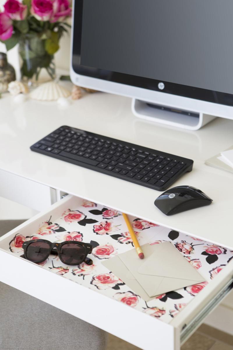 Dress up your desk!