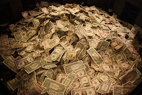 Pile-of-cash-source-aresauburn-flickr1