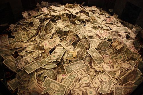 Pile-of-cash-source-aresauburn-flickr1