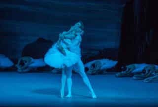 photo © Stephanie Berger Olga Smirnova as Odette and Semyon Chudin as Prince Siegfried