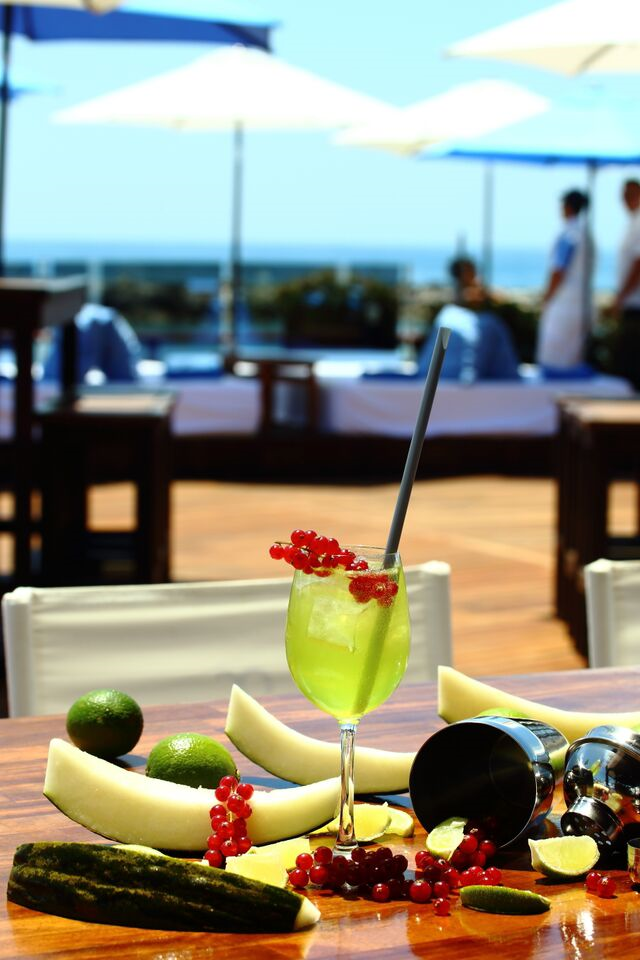 COCKTAILS AT OCEAN CLUB