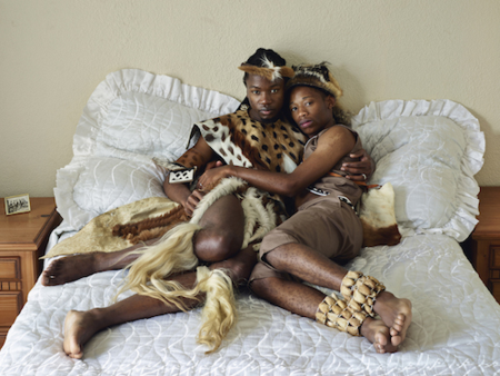 Thoba Calvin and Tshepo Cameron Sithole-Modisane, Pretoria, 2013 Copia cromogénica, 105 x 139 cm © Pieter Hugo, courtesy Stevenson Gallery, Cape Town/Johannesburg and Yossi Milo, New York